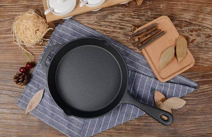 24cm Pure Cast Iron Skillet with helper handle