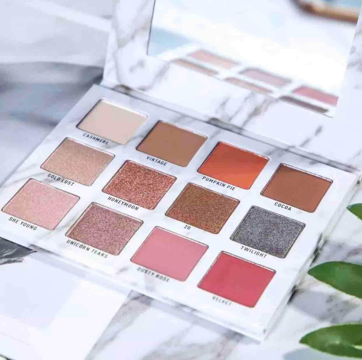 VENUS MARBLE EYESHADOW PALETTE 12 COLOURS PERFECT EYESHADOW + FREE GIFT