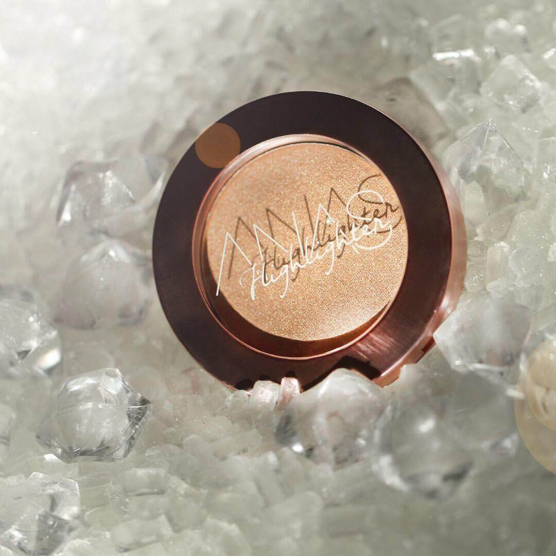 ANAS Pressed Powder Highlighter in Sunkissed