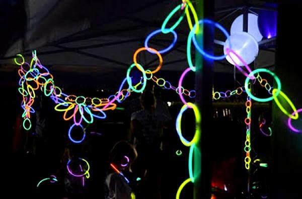 glownecklaces_glowingdecorations.jpg