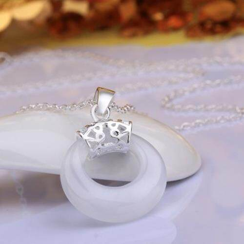 STYLISH RHINESTONE HOLLOW OUT ROUND PENDANT NECKLACE FOR WOMEN (WHITE)