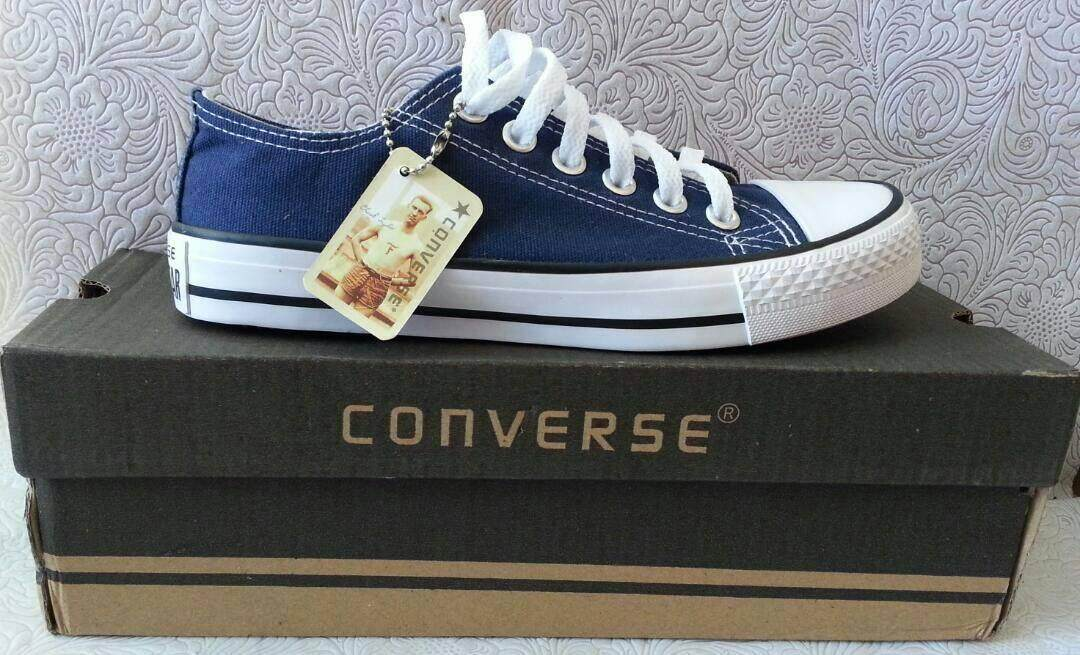 Fitur Sepatu Sekolah Converse All Star Pria Wanita Fashion Kualitas ... f345f89a53