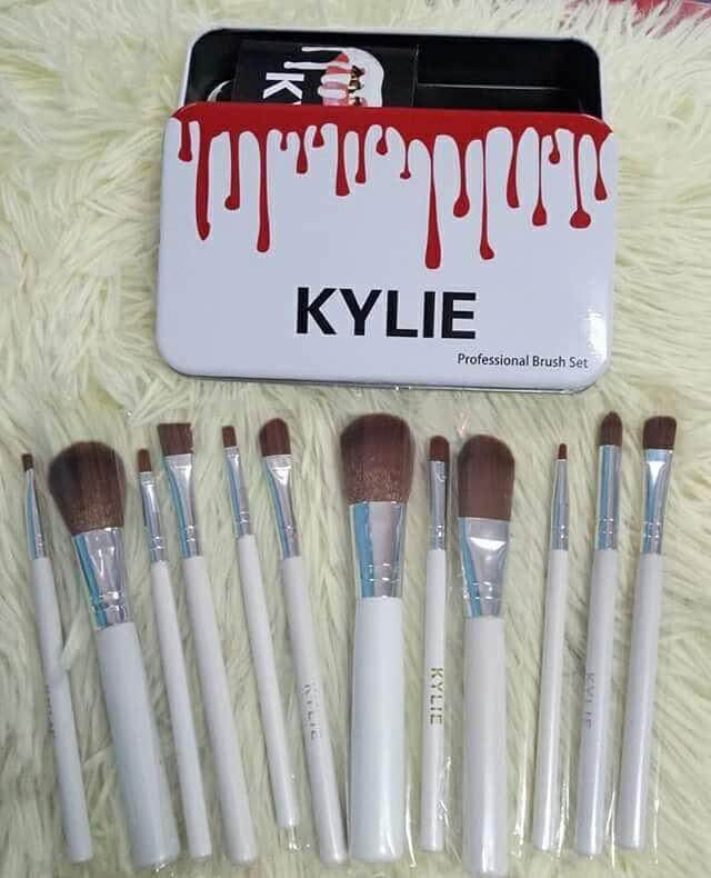 KYLIE Makeup Brush Set 12pcs.jpg