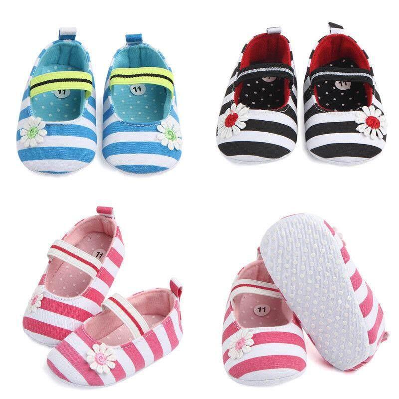 Baru Lahir Bayi Balita Perempuan Sepatu Crib Dorong Alat Jalan Tapak Kaki Lembut Anti-Slip Sneakers By Gm Mall.