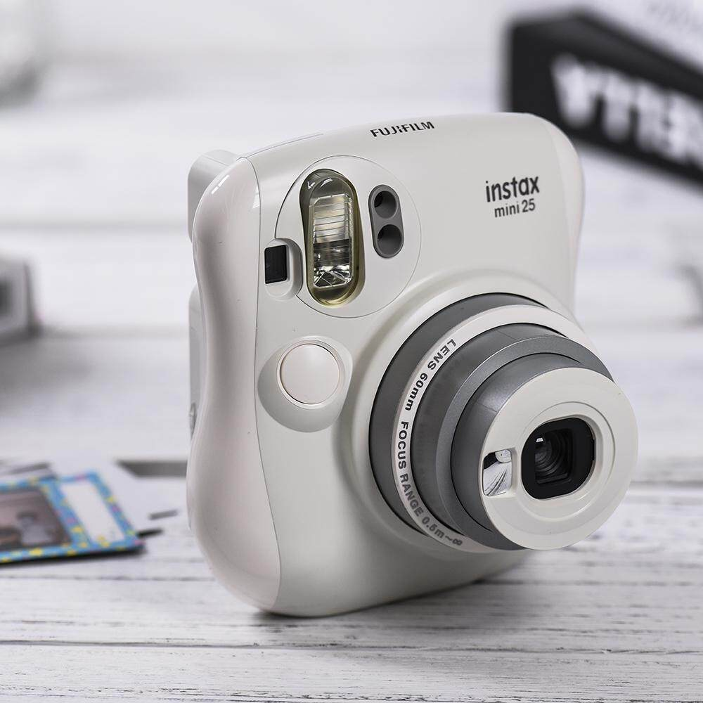 Fujifilm Instax Mini 25 Hello Kitty KT Kamera Instan Built-In Cermin Swafoto Flash Dual Jendela Auto Pop-Up Lensa W/Lensa Close Up -Intl