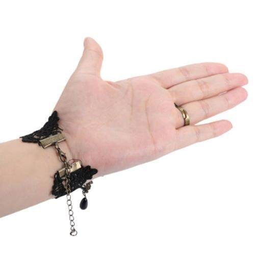 ROSE WIDE LACE CHARM BRACELET WITH RING (BLACK)