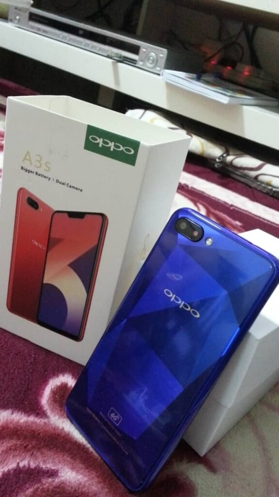 (Ready stock)4G LTE OPPO A3S 2GB+16GB ( IMPORT SET)