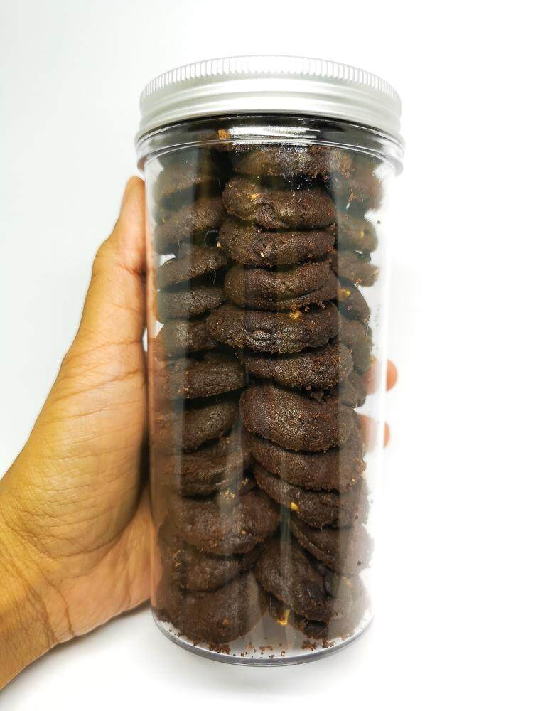When Putrie Bakes Double Chocolate Cookies 245gm in Cylinder Container x 1