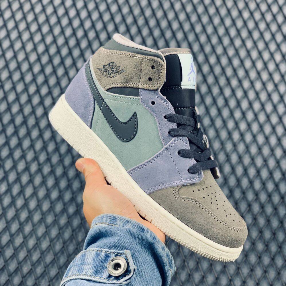 NIKEE2020 AIR  MID  BASKETBALL SHOES HIGH TOPS LACE-UP CLOSURE SHOES STYLE PREMIUM 36-46 EURO
