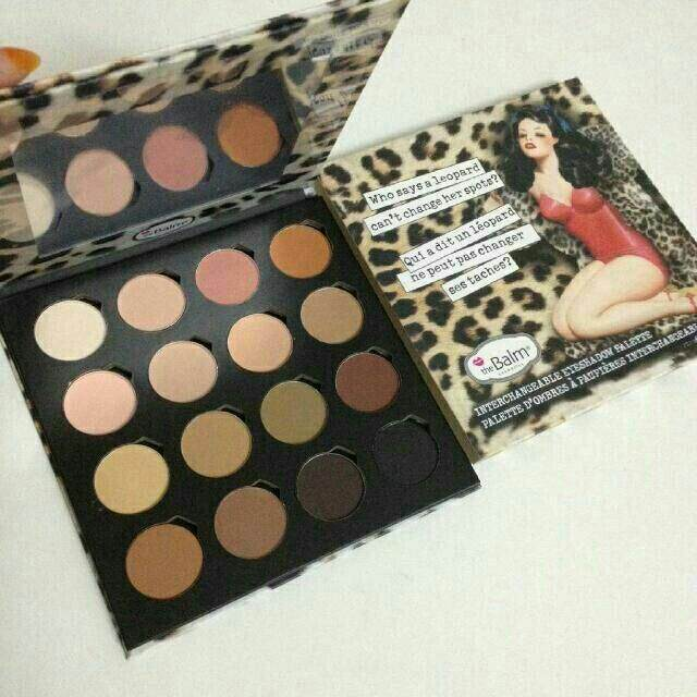 FREE GIFTPerception Eyeshadow Palette 16 Colour