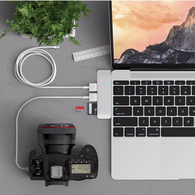 Type-C Hub 5 in 1 USB 3.0 Combo Hub with USB-C Charging&Card Reader for MacBook - SLIVER / GREY