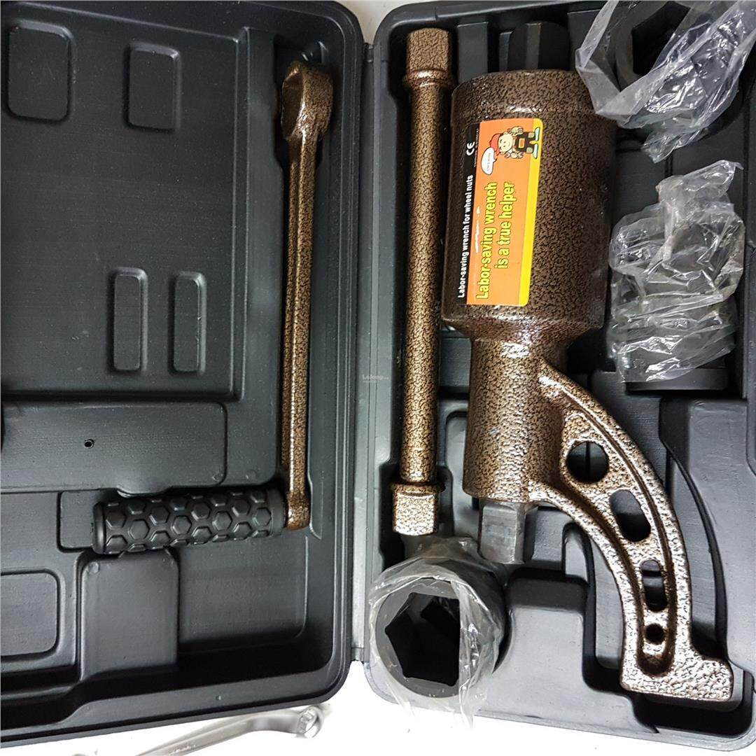 truck tire tyre wheel lock nut dismounting torque wrench hand tool