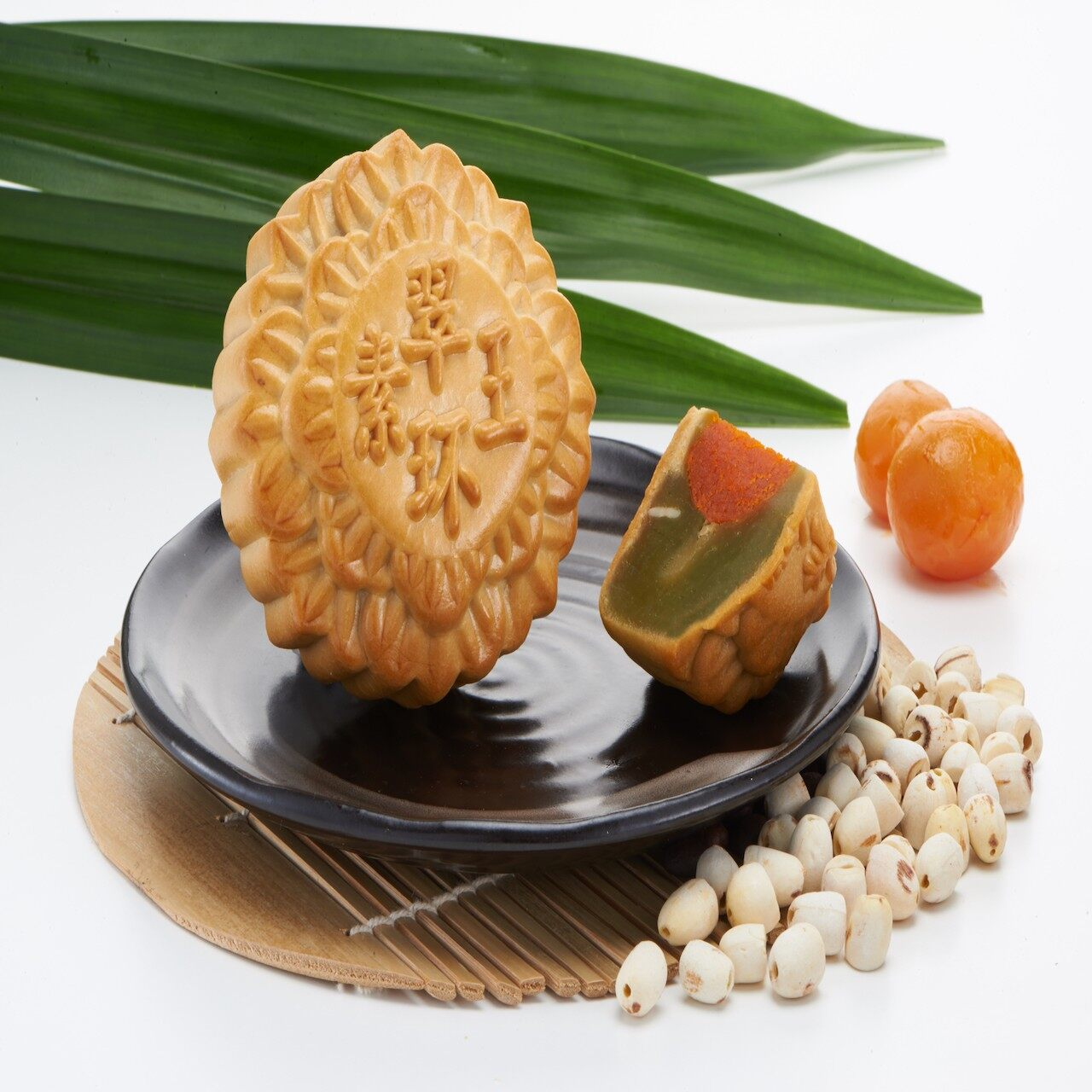 Best Selling [Ready Stock] Mooncake Absolutely Low Sugar Pandan Lotus Mung Bean Single Vege Yolk Vegetarian Halal Tong Wah Moon Cake With Gift Box 4 Pcs