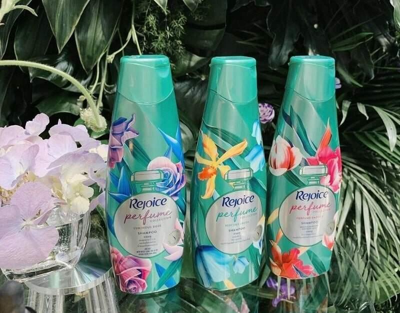 REJOICE Perfume Fresh Shampoo (340ml)