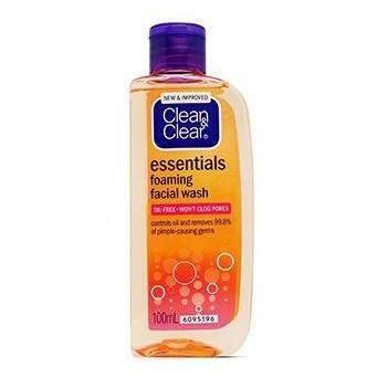 Clean & Clear Essentials Foaming Facial Wash 100ml