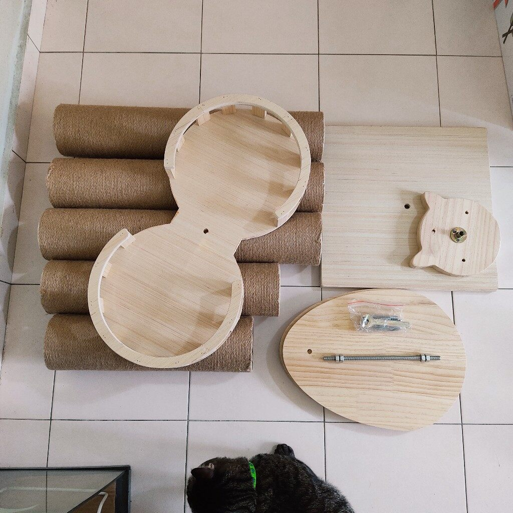 Bottom-to-Ceiling Cat tree / Cat Tower