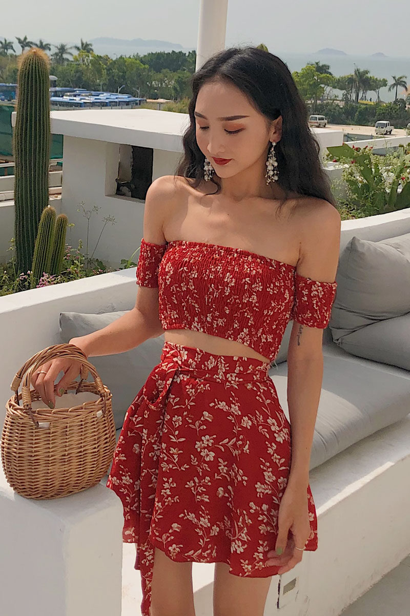(PRE ORDER) WOMEN TWO PIECES FASHION FLORAL SHORT SLEEVE TOP HIGH WAIST SKIRT