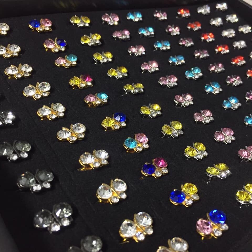 (MD67) 100PCS BABY BROOCH / KERONGSANG 4~6 DIAMONDS TYPE 3