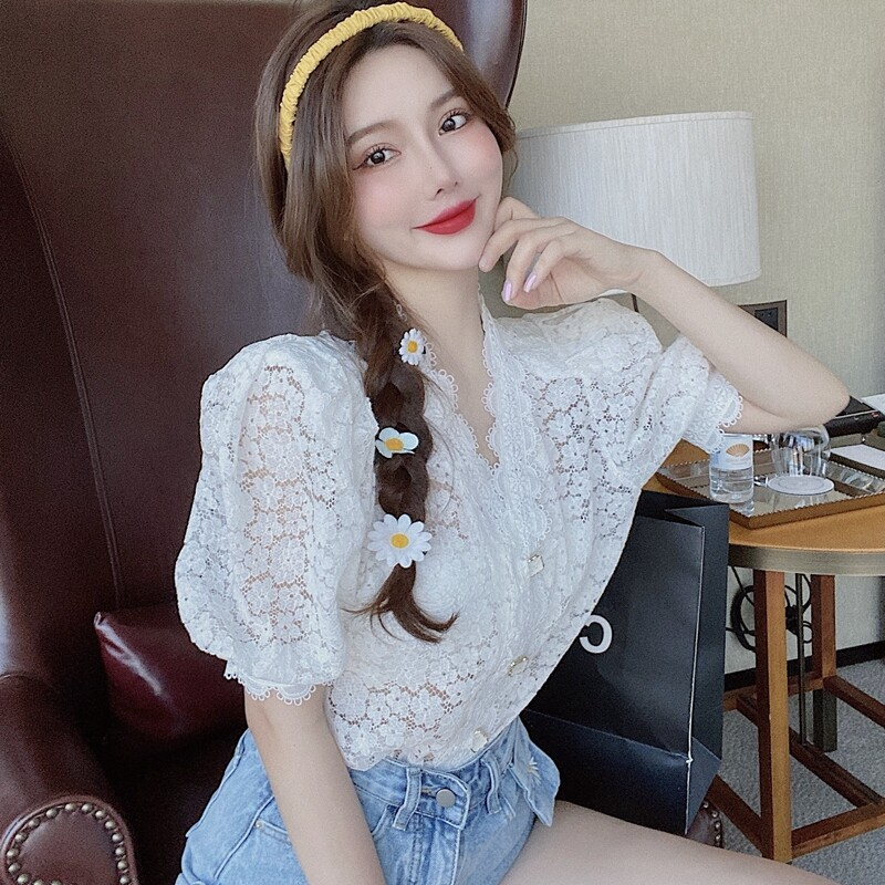 (PRE ORDER) WOMEN V-NECK BUBBLE SLEEVE LACE PURPLE SHIRT