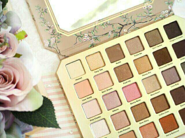 FREE GIFTNatural Love Eyeshadow Palette 30 Color