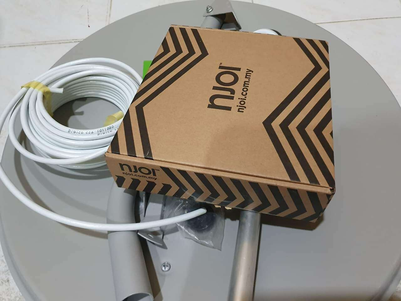 Bundled DIY NJOI Free Satellite TV free channel lifetime