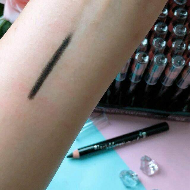 FREE GIFTKiss Beauty Black Eyeliner Jumbo