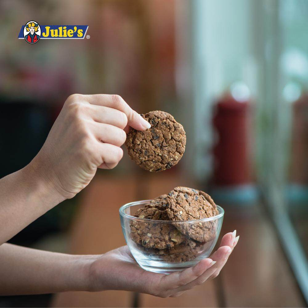 Julies Oat25 Chocolate Biscuit 300g x 4 packs