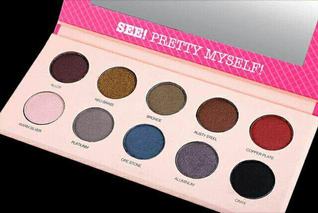 FREE GIFTSFR Color See! Preety Myself Eyeshadow Palette