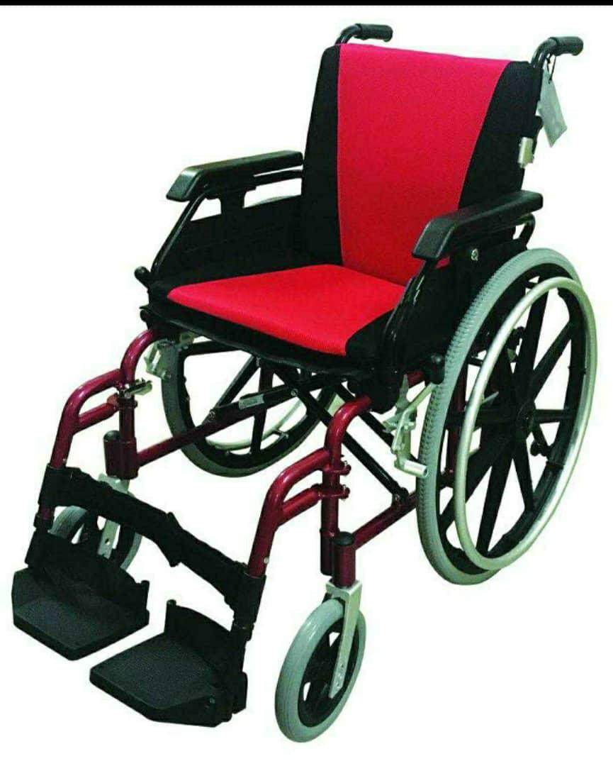 Lightweight QR Wheelchair Size 16