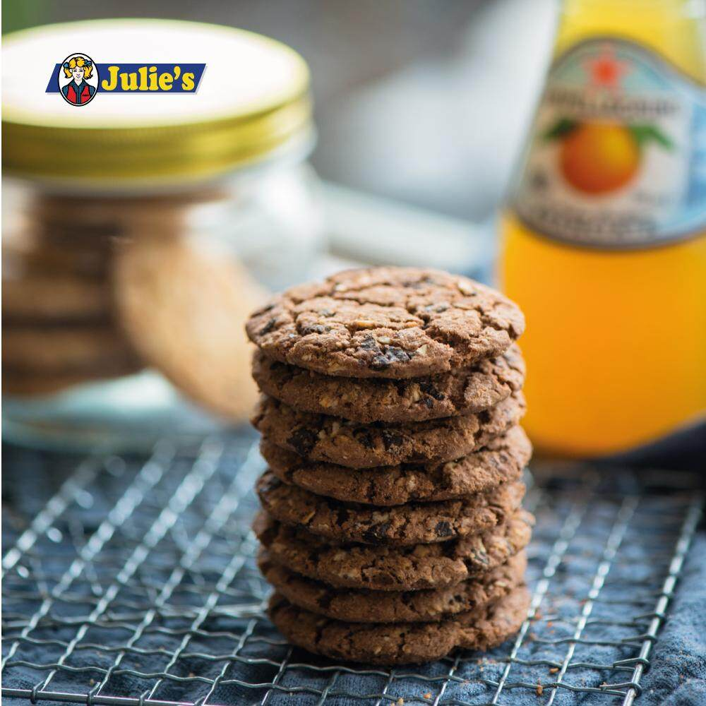 Julie's Oat25 Chocolate Biscuit 300g x 4 packs + FREE 5 Biscuit Pack