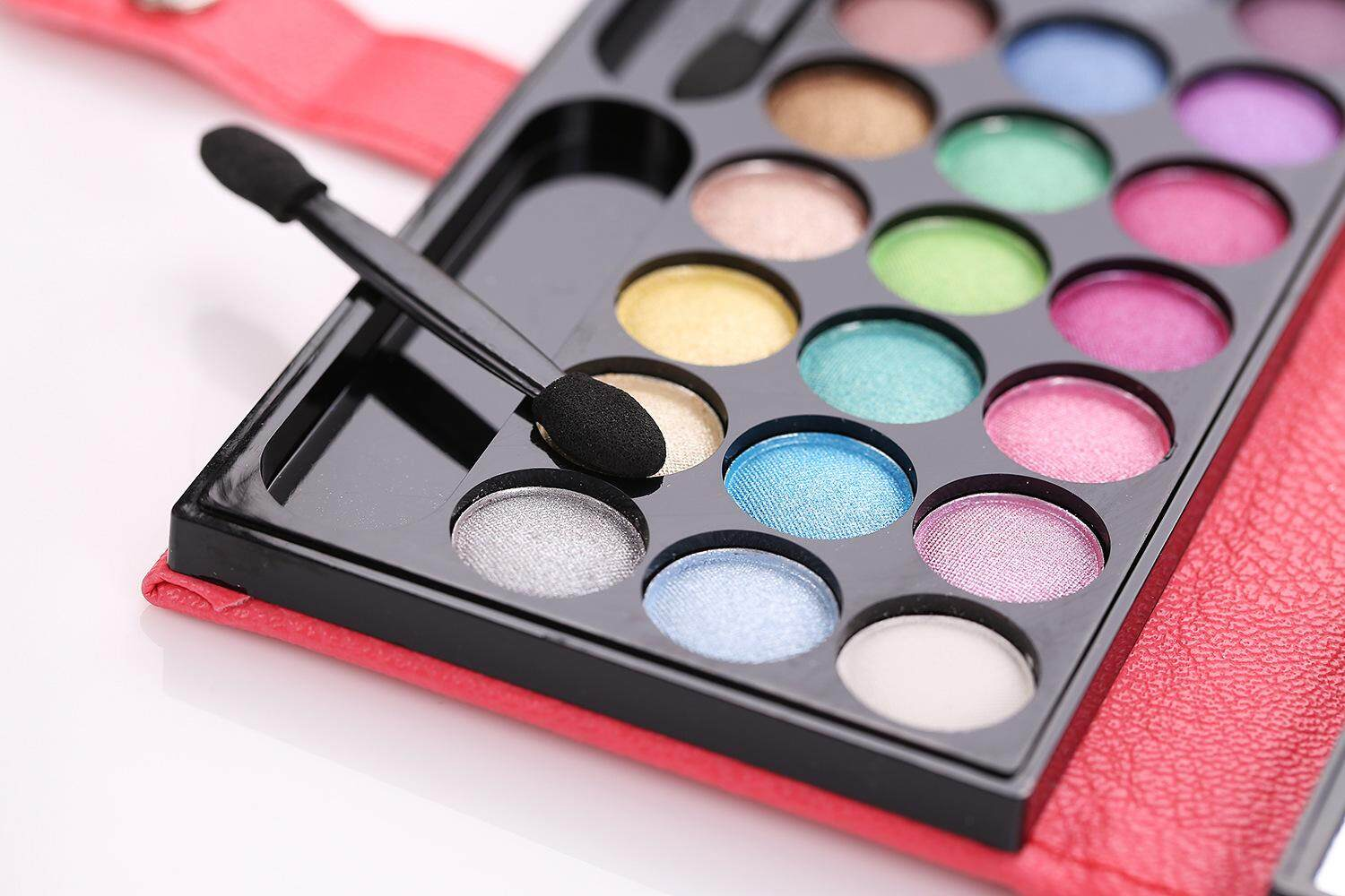 33 Colors Matte Luminous Palette Cosmetic Eye Shadow Colorful Smoky Eyeshadow Glitter Palette Lipstick with Foundation