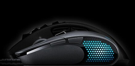 G302 in shadow of standard size mouse emphasizing compact shape and size