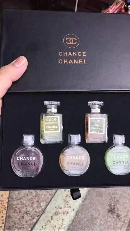 81e1f766dca Pls check out all our other items. Highlights. Chanel miniature perfume  travel set 5 in 1 ...