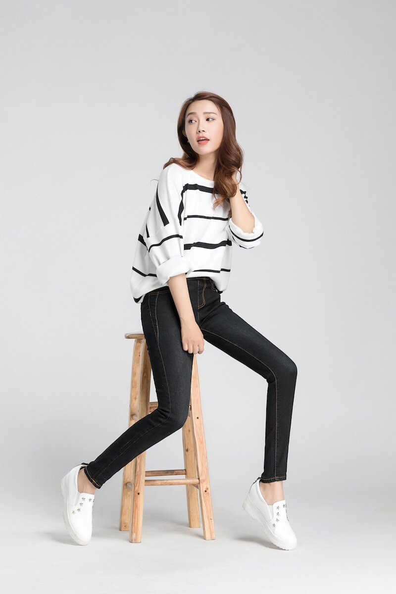 Korean Outfits With Black Jeans